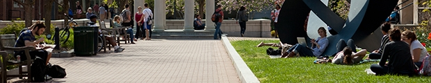 Image of students studying in Kogan Plaza